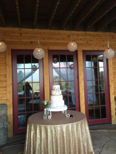 Champagne and Gold Cake Table
